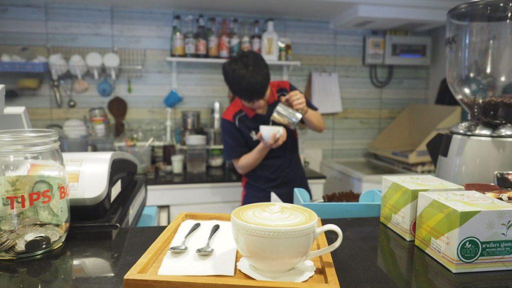 チェンマイ猫カフェ